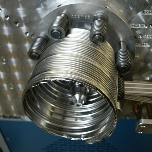904G Rohr in Maschine
